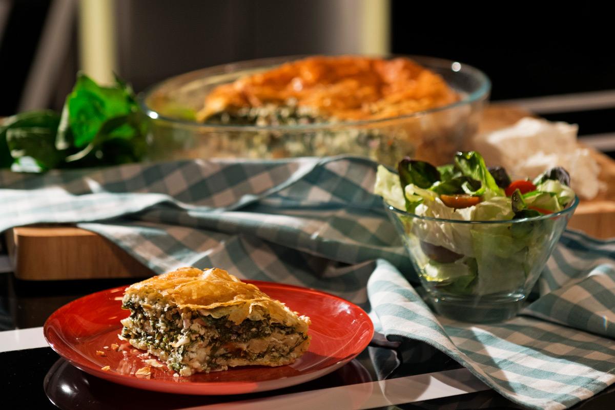 מאפה תרד עם גבינת פיקורינו וגבינת עיזים