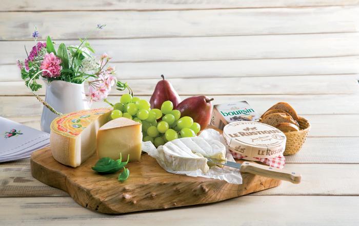 איך מרכיבים ומגישים מגש גבינות