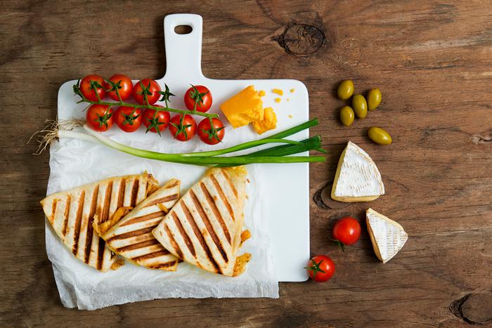 טוסט גבינות מהיר מטורטיות