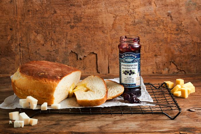 לחם גבינות שקוצר מלא מחמאות
